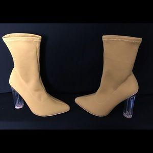 Women Fashion Nova Heel Boots Size 5.5 NIB